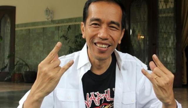Jokowi, pictured when he was the mayor of Solo (yes, wearing a Napalm shirt. He's a metal fan)