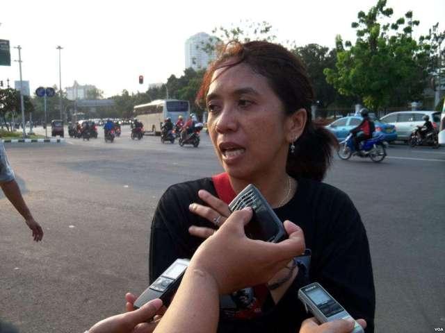 Suciwati Munir, the wife of the late Indonesian activist Munir Said Thalib has criticised Jokowi's appointment of Hendropriyono to his transition team. Image tempo.com