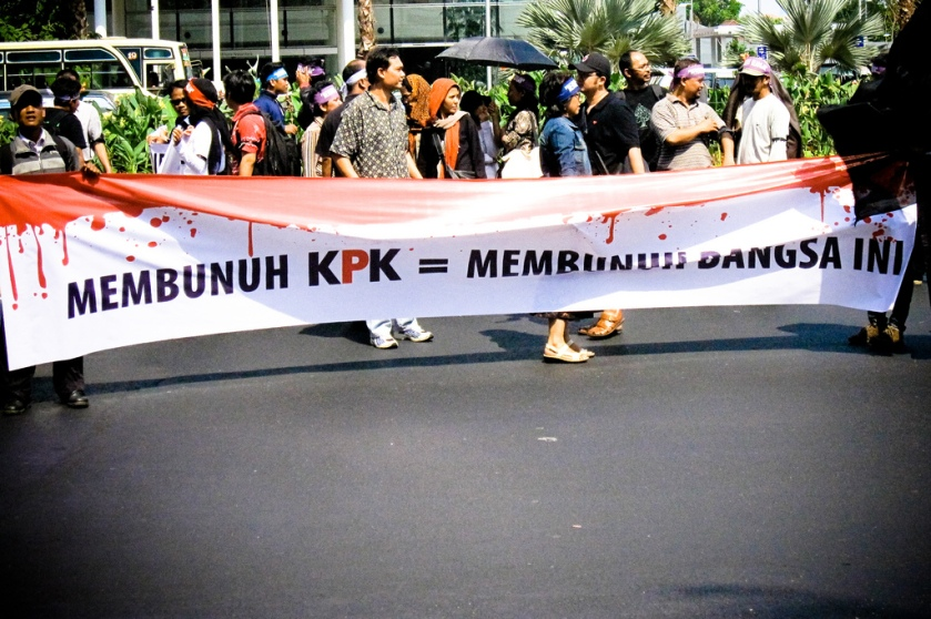 """Peaceful rally in support of the Corruption Eradication Commission (KPK). Slogan reads """"Killing the KPK is the same as killing this nation"""" - Ivan Atmanagara - originally posted to Flickr as membunuh KPK"""